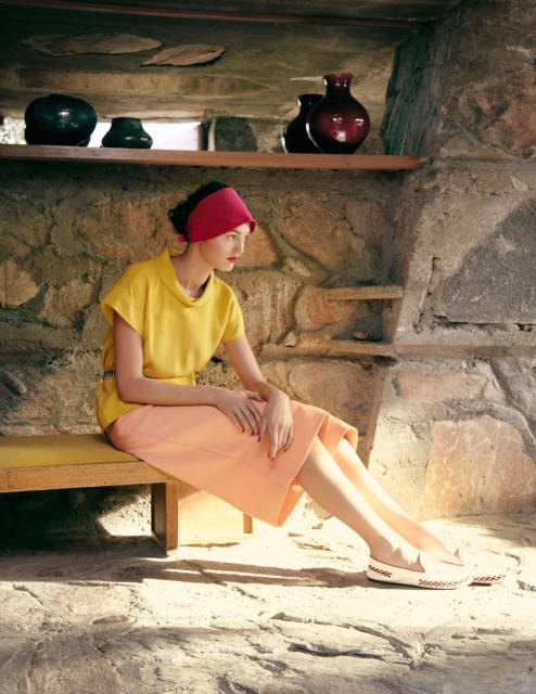 540f85682ae21_-_tcx-03-fendi-yellow-silk-blouse-rochas-red-headband-0313-lg